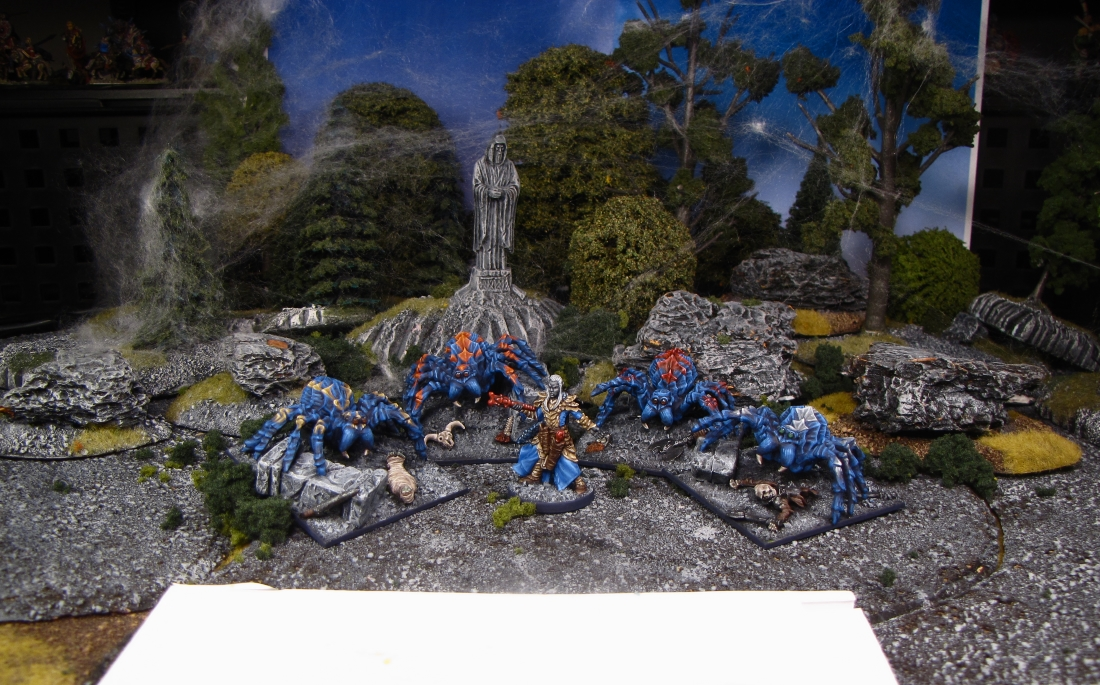Spiders and the Black Spider miniatures staging shot from Reaper Miniatures & Wizards of the Coast painted by Neldoreth - An Hour of Wolves & Shattered Shields